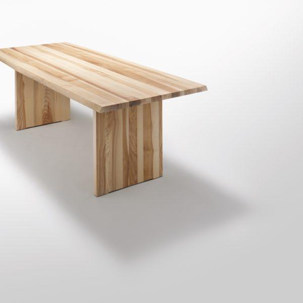 Stamm Tisch mit Holzwangen in Asteiche